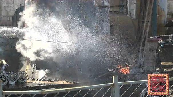 突发:华盈电力脱硫塔突发火灾,现场