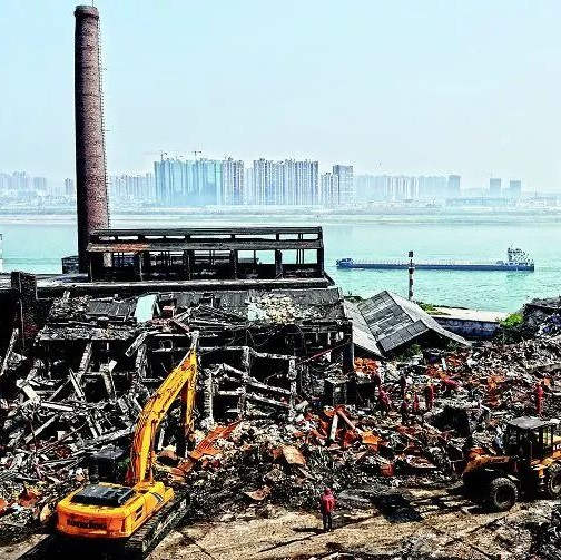 湖北又出新方案,到2025年,长江15公里范围的化工企业都要 关改搬转