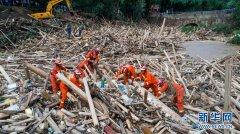 云南麻栗坡发生山洪泥石流 救援