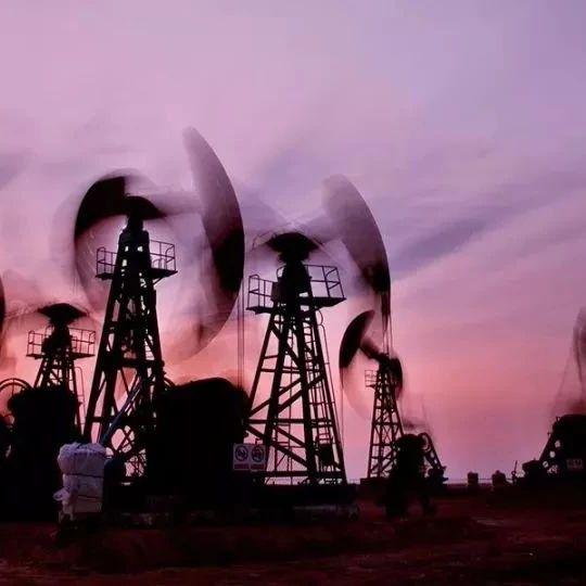 陈九霖:低油价重创俄罗斯 中国获益需增强储备能力