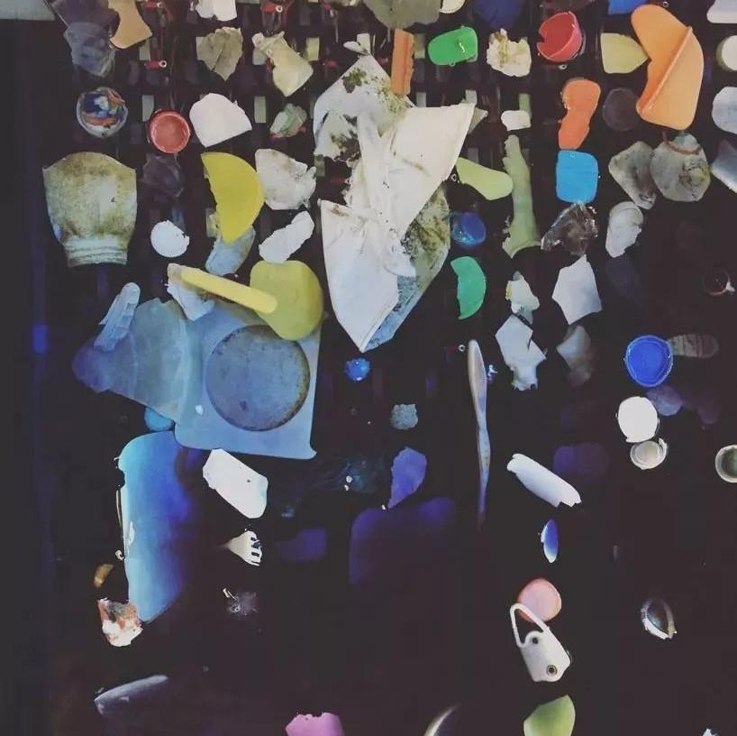 环保创意:塑料垃圾制成互动力学装置,唤醒海洋保护意