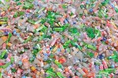 环保团体揭全球塑料企业 一边喊减塑一