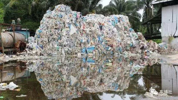 中国拒当世界垃圾场后,英美等国把垃圾都丢到了这……