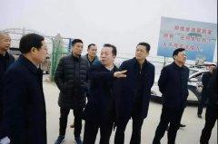 岳阳市领导沿长江大堤督查长江岸线整治和生态修复工作