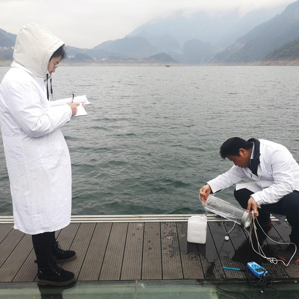 一图一故事――环境监测人员的一天