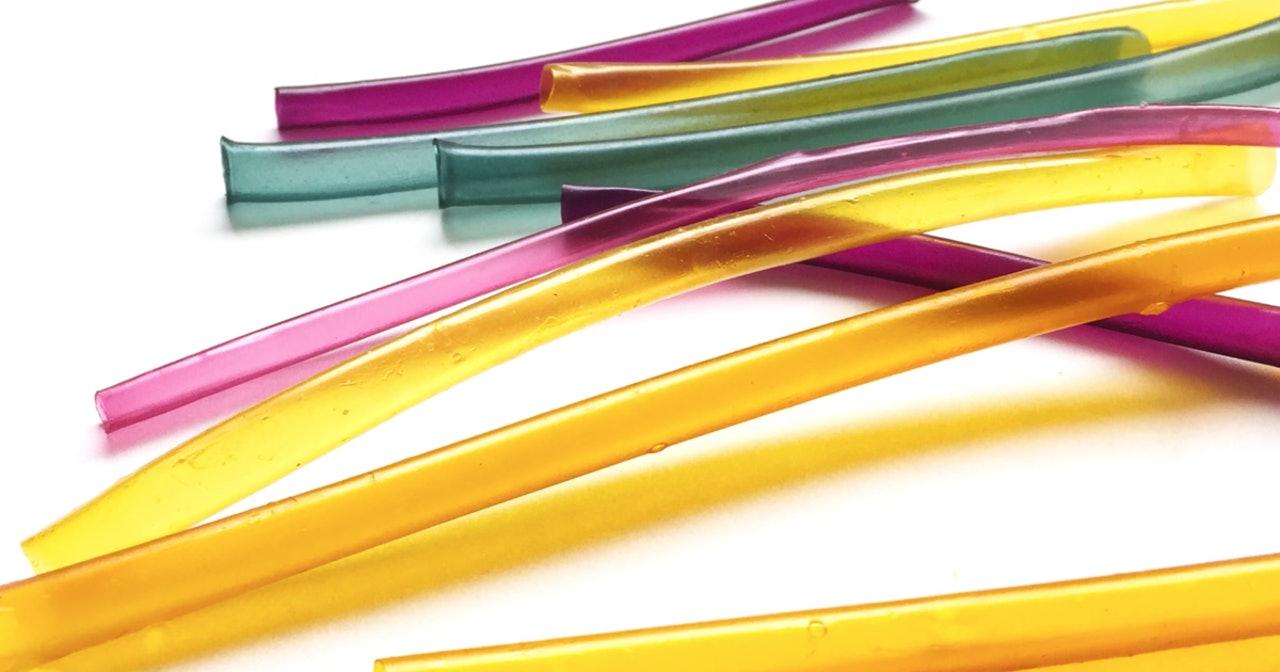 美国推海藻吸管替代塑料吸管 可完全降解更环保