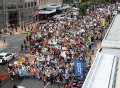 诉求遏止气候变化 欧盟学生串连示威