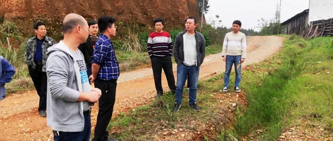 江西宜丰县: 志愿者监督污染,环保局