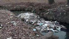 污水靠雨冲 垃圾随意埋 吉林省榆树市