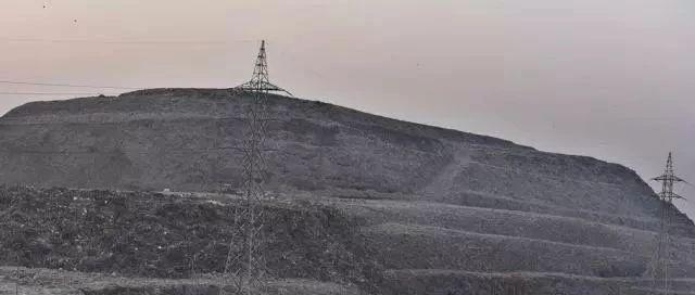 """比泰姬陵还高 印度垃圾山将成""""新地标""""?"""