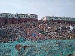 诸城市从速从严处置违法倾倒化工废料