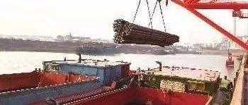 岳阳市副市长黎作凤约谈华菱码头污水