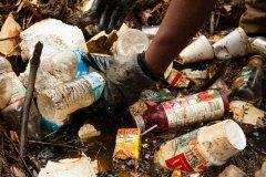 废物再生 科学家成功把4号塑料转化为航空燃油