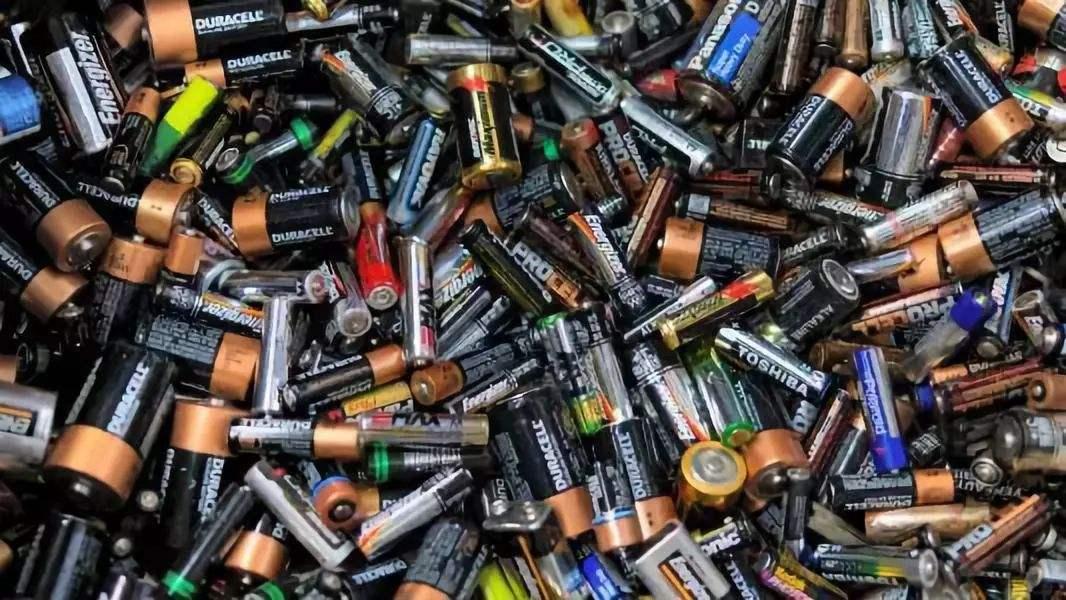 废电池该不该收?电池的种类及成分