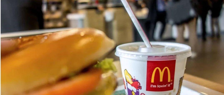 由麦当劳吸管曾引发的讨论,塑料与纸