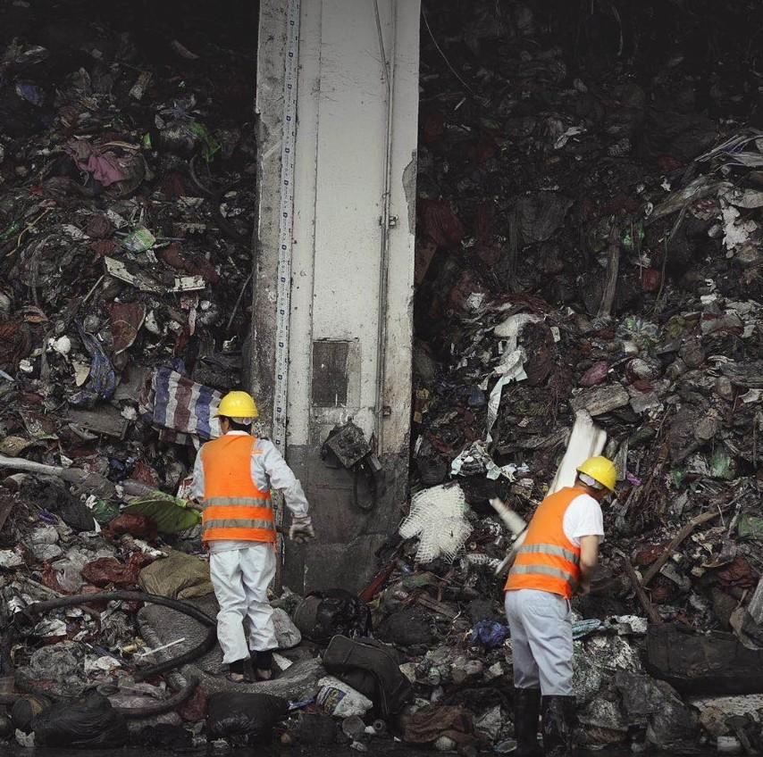 漳州环卫这部触目惊心的纪录片,才是垃圾分类宣教的绝佳材料!