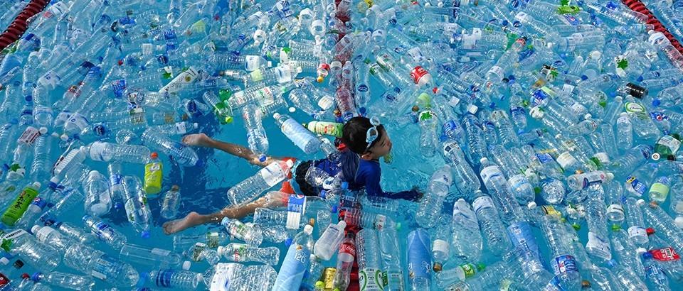 谁该为塑料垃圾埋单?