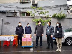 九江市生态环境局领导看望慰问九针社区疫情防控一线值