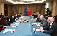 生态环境部部长会见欧盟驻华大使