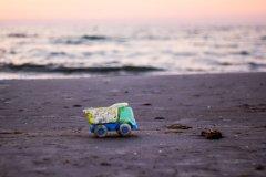 研究:各国减塑政策不及时 2040年入海