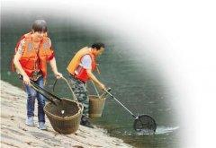 """夫妻义务护水30年:""""这个水库,是我们生命"""