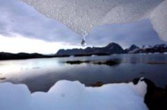 科学家首次分析 地球30年间失去28万亿吨冰