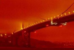 加州森林野火染红天空 旧金山湾区宛如