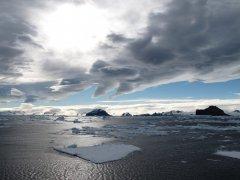 """世界气象组织:2020年南极臭氧空洞""""又大又深"""""""