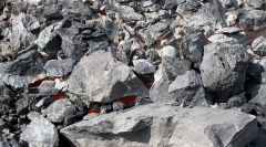 """被""""烧伤""""的贺兰山:煤层自燃三百年"""