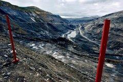 祁连山南麓的19座渣山和11个露天矿坑:如何愈合这道巨