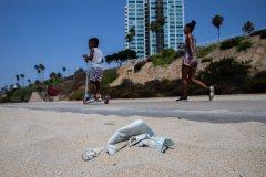 救命口罩变生态杀手 16亿口罩流入海 需450年才能分解
