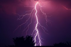 鸿翔环卫:面对极端天气,环卫工作人
